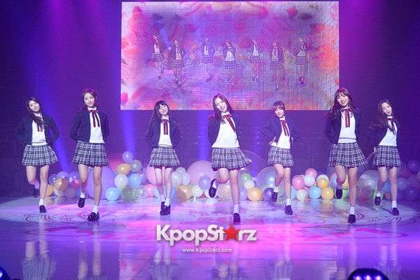 Woollim Entertainment's New Girl Group Lovelyz Attends the Debut Showcase (Performance)key=>32 count40