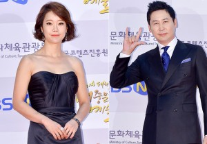 Baek Ji Young and Shin Dong Yup Attend 2014 Republic of Korea Pop Culture Art Awards Ceremony Red Carpet