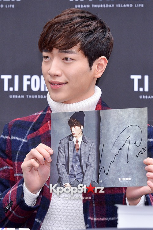 Seo Kang Joon at T.I. For Men Fan Signing Eventkey=>18 count23