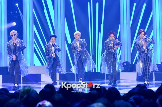 AKZ at MBC Music Show Champion key=>4 count8