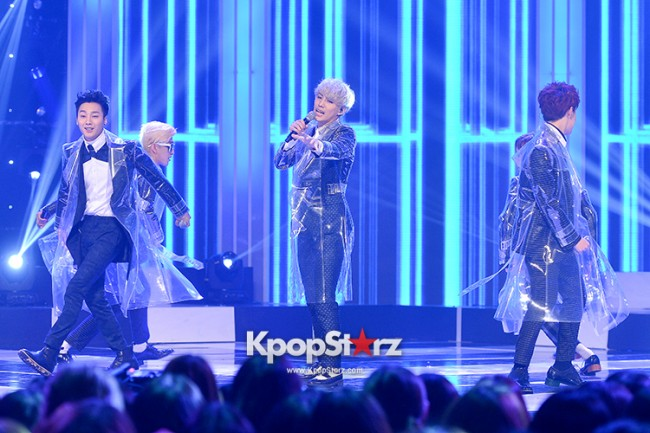 AKZ at MBC Music Show Champion key=>6 count8