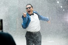 Age Twenties and Fourties Both Listen to Psy's 'Gangnam Style'