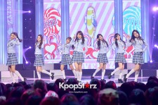 Lovelyz perform on South Korean TV
