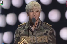 Taeyang was a big winner at MAMA 2014.