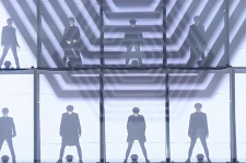 EXO Performs At MAMA 2014