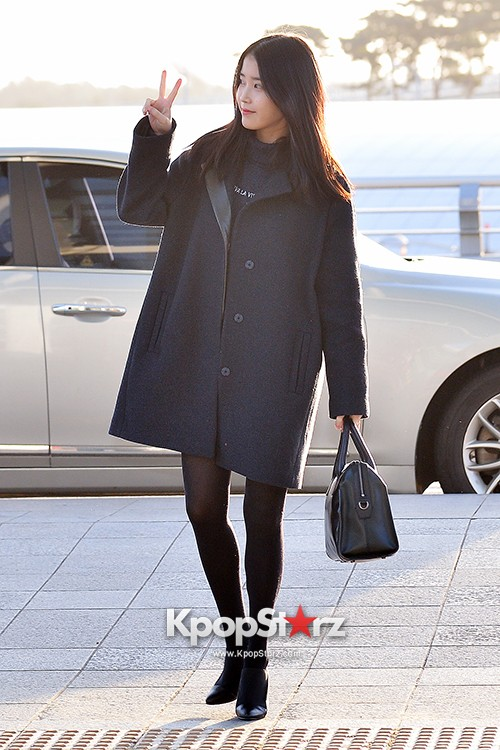 IU at Incheon International Airport Leaving for 2014 MAMA in Hong Kong key=>2 count10
