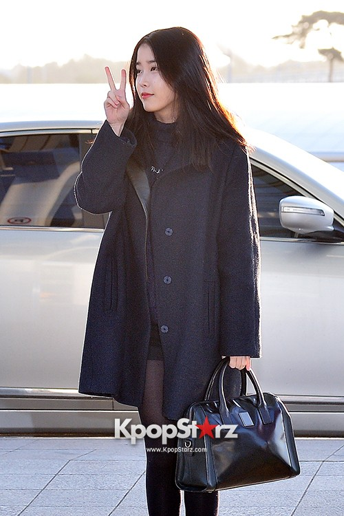 IU at Incheon International Airport Leaving for 2014 MAMA in Hong Kong key=>3 count10