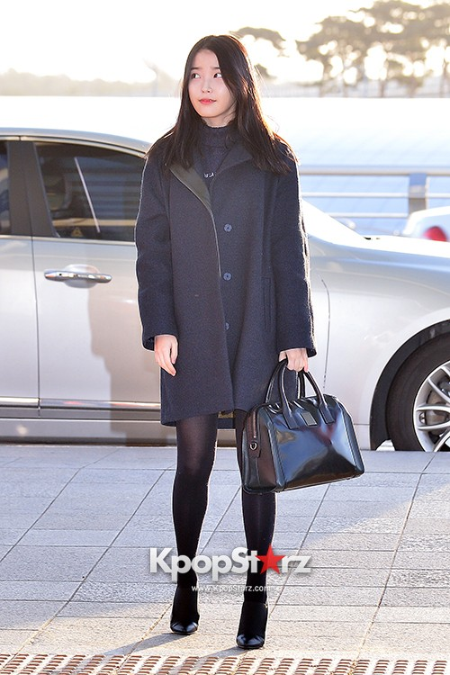 IU at Incheon International Airport Leaving for 2014 MAMA in Hong Kong key=>5 count10