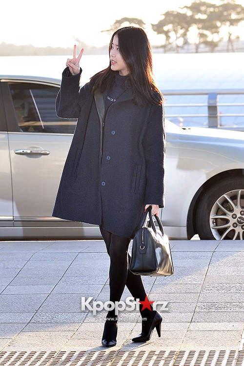 IU at Incheon International Airport Leaving for 2014 MAMA in Hong Kong key=>6 count10