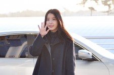 IU at Incheon International Airport Leaving for 2014 MAMA in Hong Kong