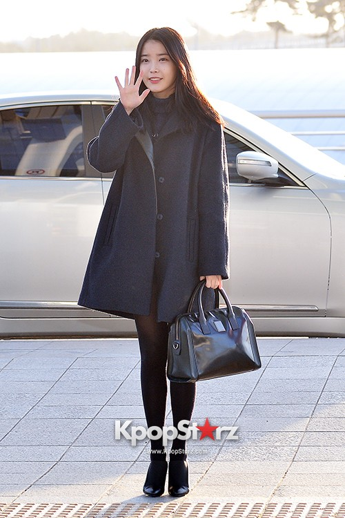 IU at Incheon International Airport Leaving for 2014 MAMA in Hong Kong key=>0 count10