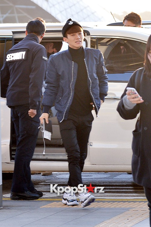 EXO at Incheon International Airport Leaving for 2014 MAMA in Hong Kong key=>1 count22