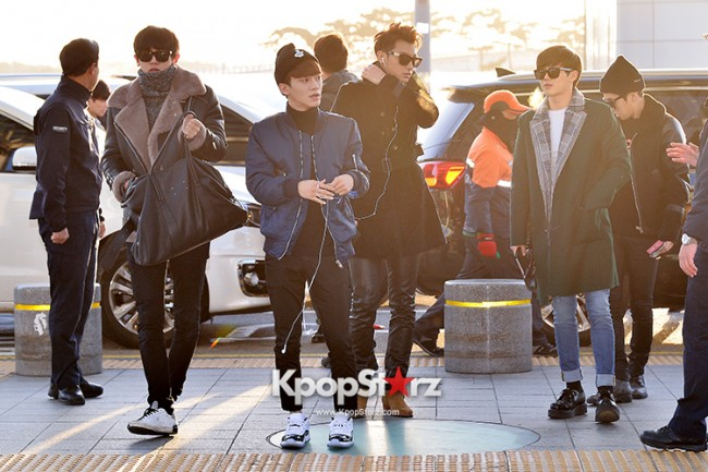 EXO at Incheon International Airport Leaving for 2014 MAMA in Hong Kong key=>5 count22