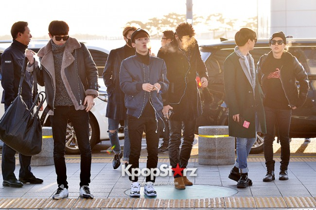EXO at Incheon International Airport Leaving for 2014 MAMA in Hong Kong key=>9 count22