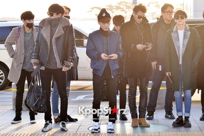 EXO at Incheon International Airport Leaving for 2014 MAMA in Hong Kong key=>10 count22