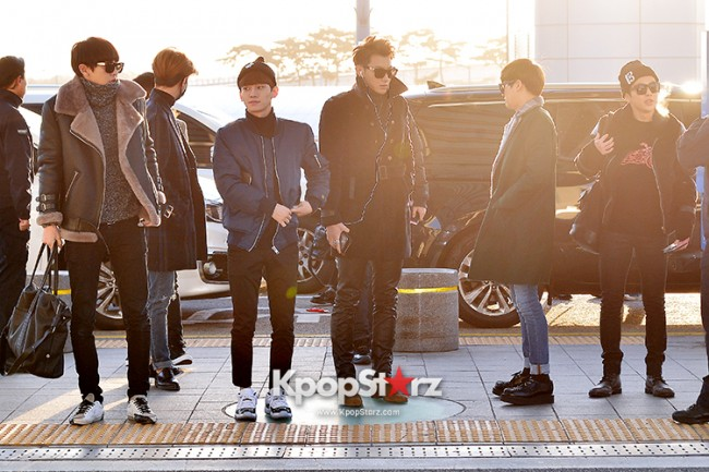 EXO at Incheon International Airport Leaving for 2014 MAMA in Hong Kong key=>11 count22