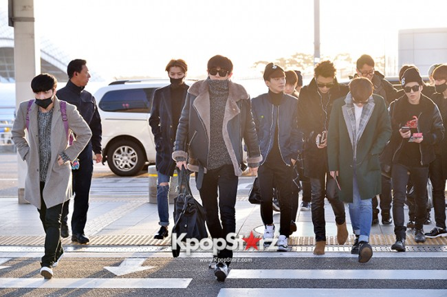 EXO at Incheon International Airport Leaving for 2014 MAMA in Hong Kong key=>13 count22