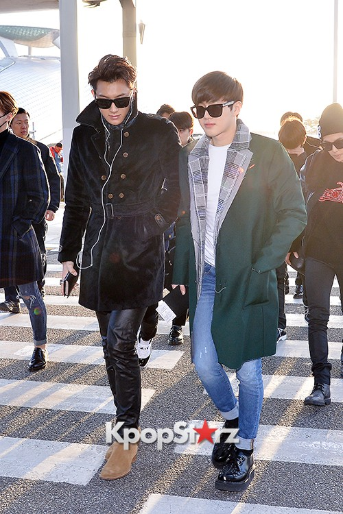 EXO at Incheon International Airport Leaving for 2014 MAMA in Hong Kong key=>0 count22