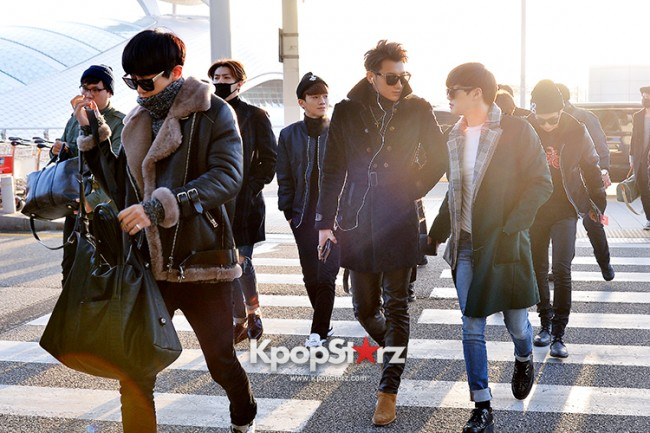 EXO at Incheon International Airport Leaving for 2014 MAMA in Hong Kong key=>18 count22