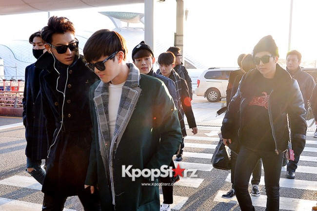 EXO at Incheon International Airport Leaving for 2014 MAMA in Hong Kong key=>19 count22