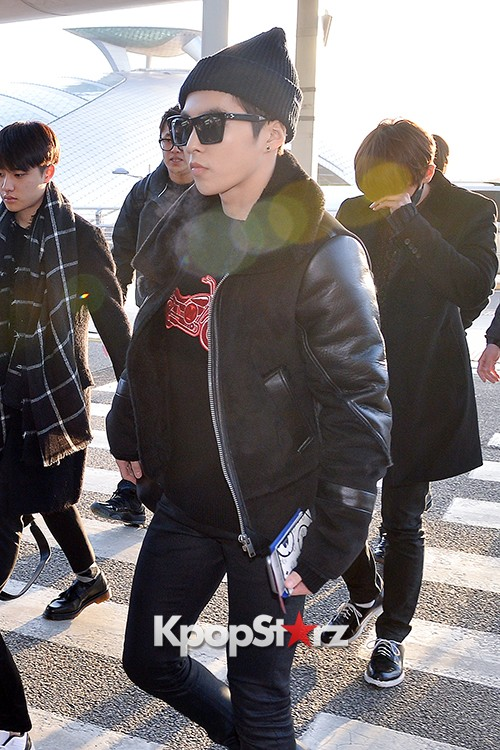 EXO at Incheon International Airport Leaving for 2014 MAMA in Hong Kong key=>20 count22