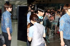 "TVXQ Wreak Havoc Gimpo Airport ""'We are Going to SMTOWN Live in Tokyo"""