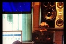Tablo Recording Studio Being Revealed Show Signs for Epik High's September Comeback