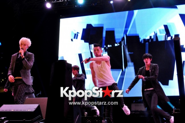 Asia's Musical Talent Cross Gene, Weaver, Kanika Kapoor, Kate Tsui, Olivia Ong, Pupil, Chang Zheng Yue And More Rock Singapore At Skechers Sundown Festival [PHOTOS]key=>33 count88