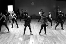 G-Dragon and Taeyang in Good Boy Dance Practice Video