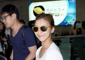 f(x) Luna at kimpo airport 'Thank You Japanese Fans for SMTOWN Live TOUR 2012'