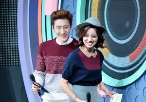 MC Zhou Mi and Hyeri at SBS MTV The Show : All about K-POP Season 4