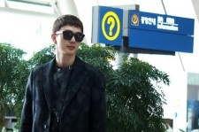 yoo seung ho all-black airport fashion