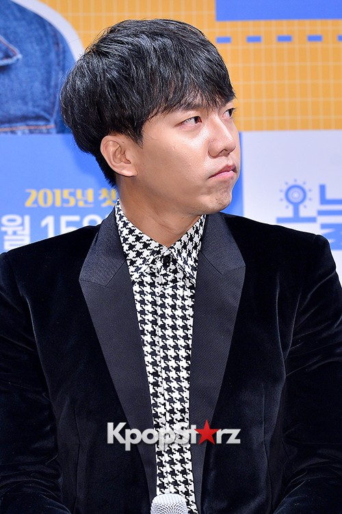 Lee Seung Gi Attends a Press Conference of Upcoming Movie 'Today's Love' key=>22 count71