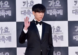 JungGiGo at 2014 KBS Gayo Daechukje Red Carpet