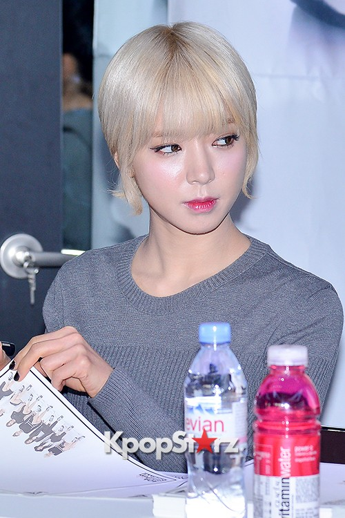 AOA at SBENU Fansign Event key=>4 count27