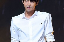 kwanghee becomes MC for vitamin