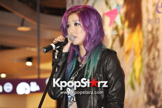 "Ferlyn G Launches Her ""First"" Solo Chinese EP In Singapore And Successfully Holds Fansign [PHOTOS] key=>14 count19"