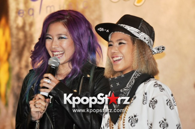 "Ferlyn G Launches Her ""First"" Solo Chinese EP In Singapore And Successfully Holds Fansign [PHOTOS] key=>7 count19"