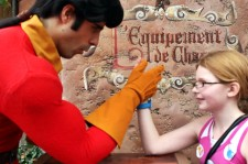 Just When They Thought She Doesn't Stand A Chance, This Girl Cunningly Beats Gaston In An Arm Wrestling Battle