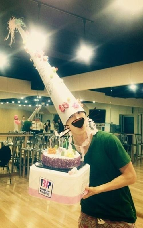 2AM Jo Kwon Celebrates Birthday in Same Practice Room for 12 Years?!key=>0 count1