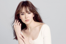 Song Hye Kyo Is Stunning In B-Cuts From J.ESTINA 2015 La Cruna Spring-Summer Campaign