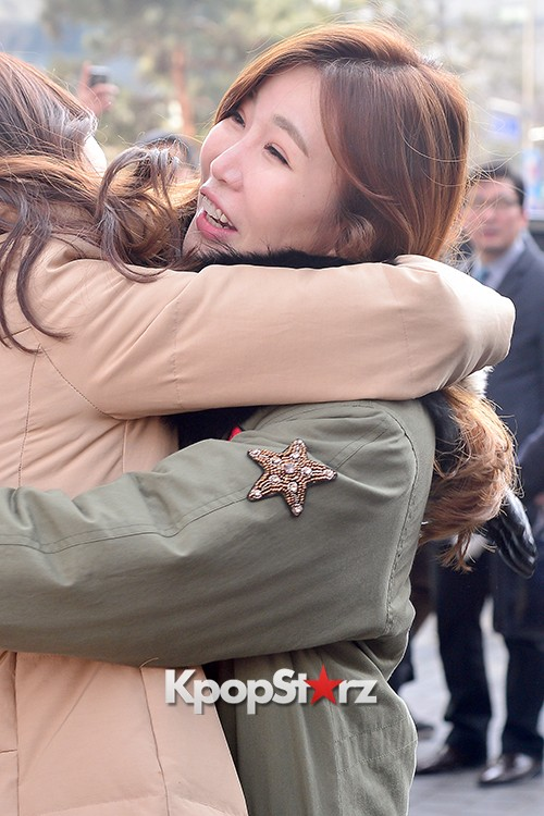 Davichi Holds a Free Hug Event at Myeongdong key=>1 count12