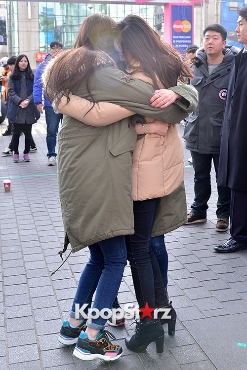 Davichi Holds a Free Hug Event at Myeongdong key=>5 count12