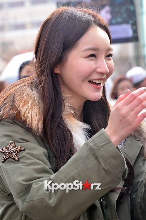 Davichi Holds a Free Hug Event at Myeongdong key=>6 count12