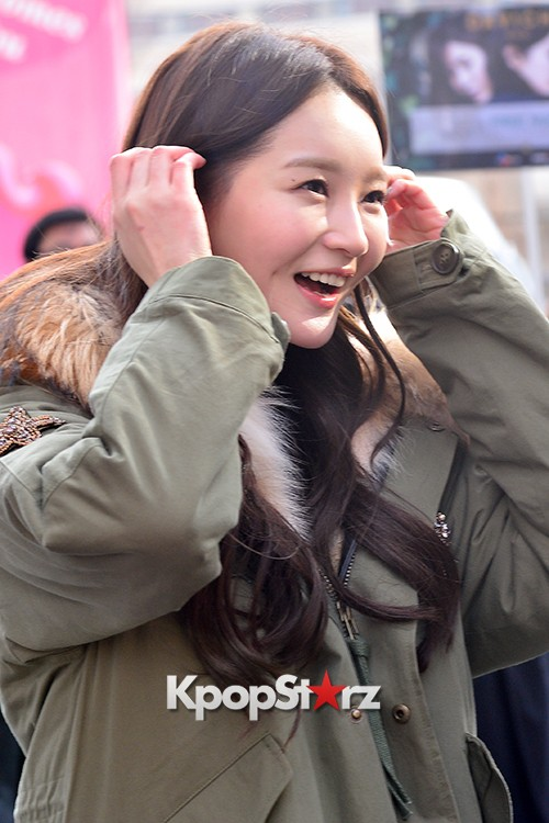 Davichi Holds a Free Hug Event at Myeongdong key=>7 count12