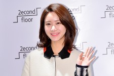 Han Groo Visits 2econd Floor Shop