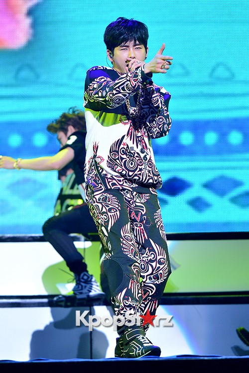 Infinite H 'Fly Again' Showcase Pretty Performance key=>13 count37