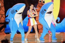 Katy Perry Super Bowl 2015 Half Time Performance Upclose [Photo Gallery]
