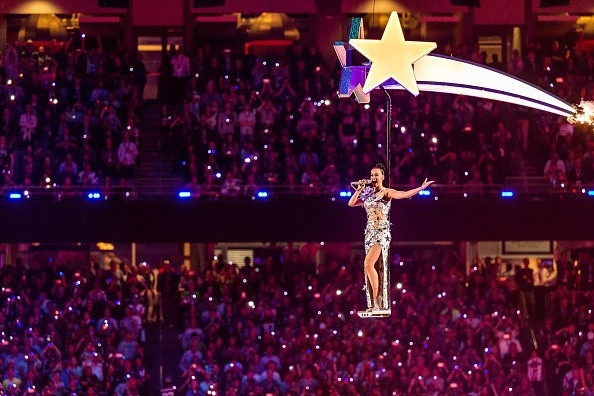 Katy Perry Super Bowl 2015 Half Time Performance Upclose [Photo Gallery]key=>16 count20
