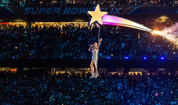 Katy Perry Super Bowl 2015 Half Time Performance Upclose [Photo Gallery]key=>19 count20